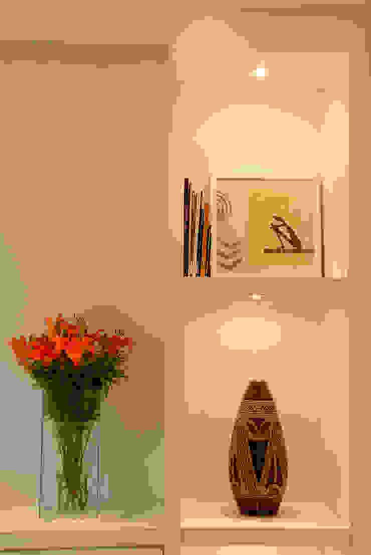 Interart Design de Interiores บันได โถงทางเดิน ระเบียงของตกแต่งและอุปกรณ์จิปาถะ
