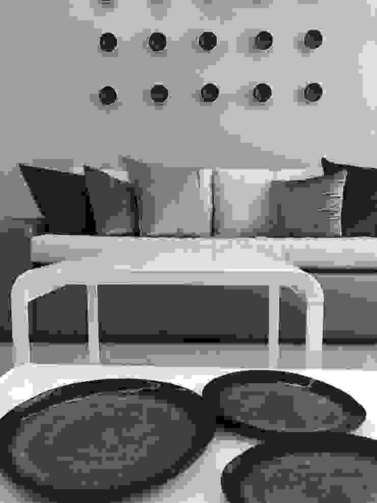 现代客厅設計點子、靈感 & 圖片 根據 Adore Design 現代風