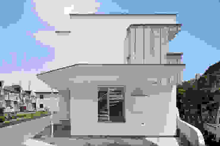 bởi atelier137 ARCHITECTURAL DESIGN OFFICE Hiện đại
