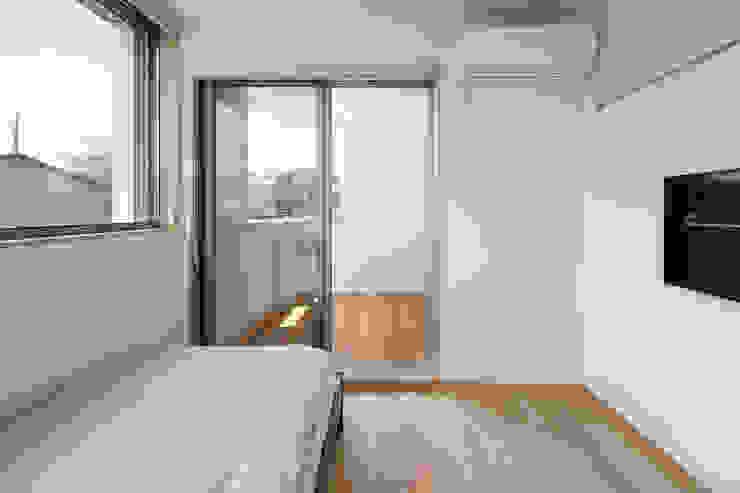 Phòng ngủ phong cách Bắc Âu bởi atelier137 ARCHITECTURAL DESIGN OFFICE Bắc Âu Gỗ Wood effect