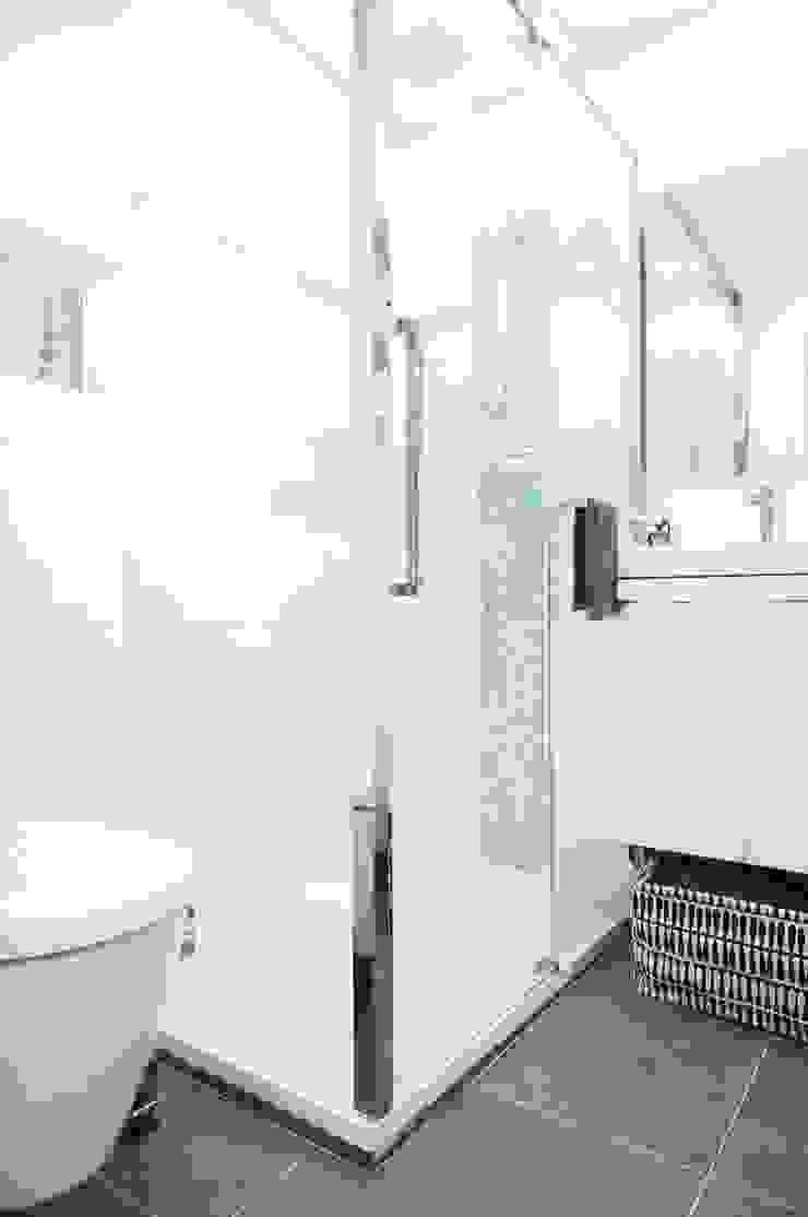 Studio Montmartre C'Design architectes d'intérieur Salle de bain scandinave