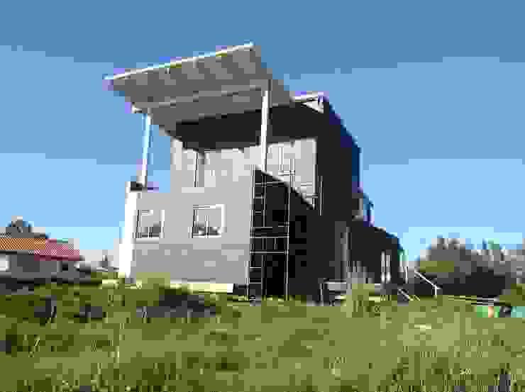 Casa en Algarrobo. Diseño y construccion de vivienda energitermica. Casa pasiva. Alto confort termico: Casas unifamiliares de estilo  por Casas del Girasol- arquitecto Viña del mar Valparaiso Santiago,