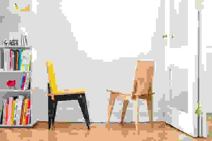 Krzesło Klinowe od Robert Pludra Industrial Design Studio Minimalistyczny Sklejka