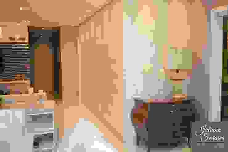 Sala de TV e Sala de Jantar integradas Juliana Saraiva Arquitetura & Interiores Corredores, halls e escadas modernos