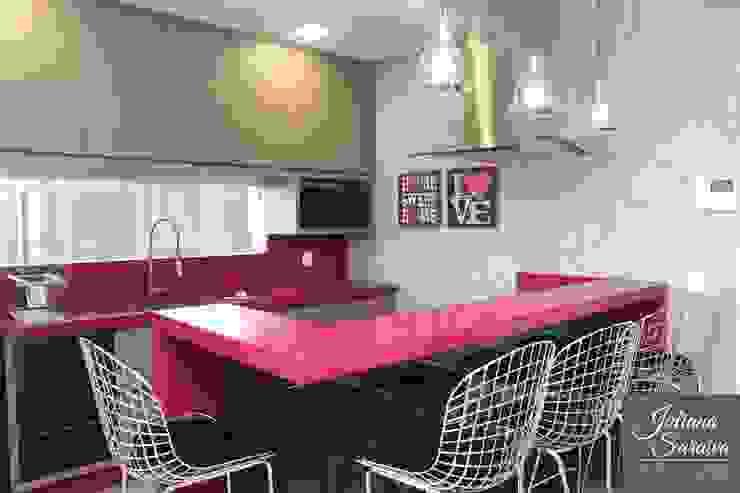 Cozinha Rosa Moderna: Cozinhas  por Juliana Saraiva Arquitetura & Interiores,Moderno MDF