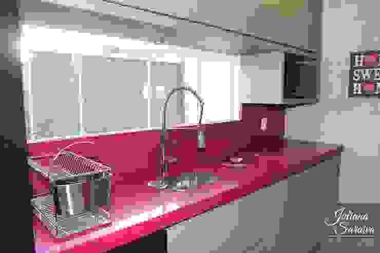 Juliana Saraiva Arquitetura & Interiores Dapur Modern MDF Pink