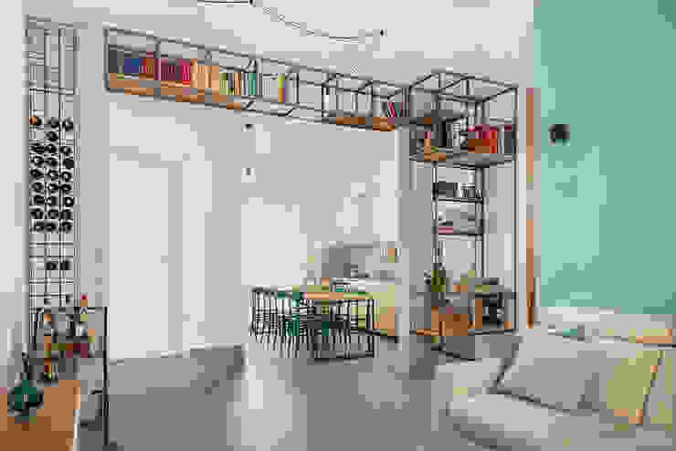 Cocinas integrales de estilo  por manuarino architettura design comunicazione, Industrial Hierro/Acero