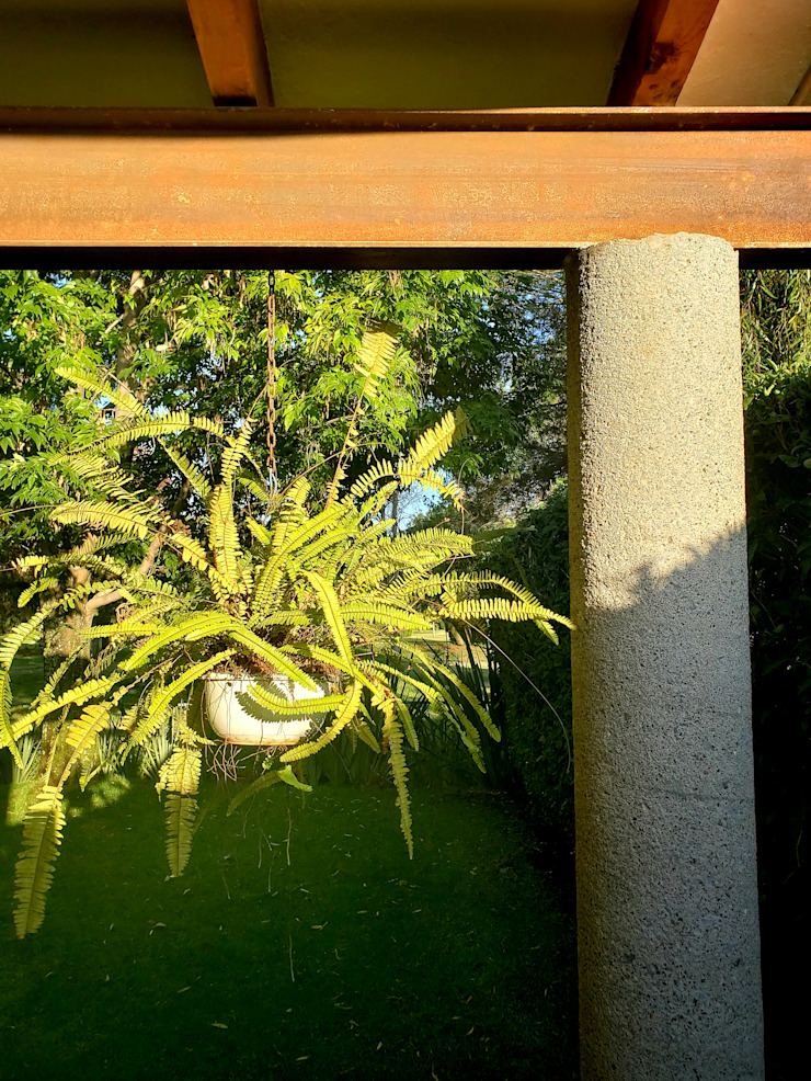 Daniel Cota Arquitectura | Despacho de arquitectos | Cancún Modern balcony, veranda & terrace Iron/Steel Multicolored