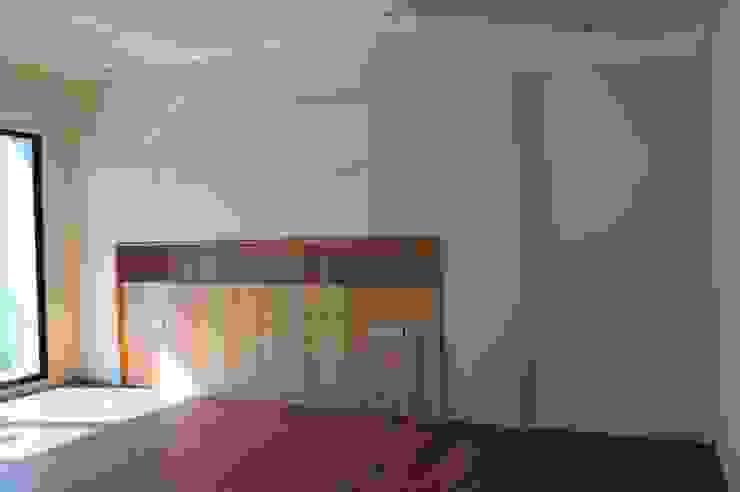 主臥室床頭收納櫃 houseda Eclectic style bedroom MDF Wood effect