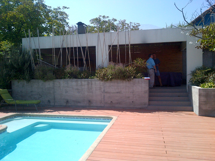 CASA TRONCOSO AOG Piscinas de jardín Madera Blanco