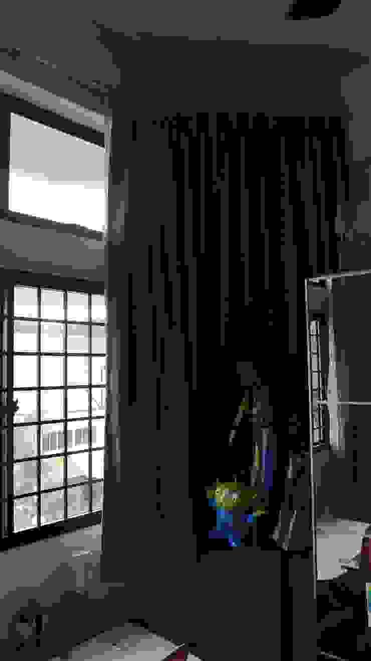 Before renovation of room Modern style bedroom by FINE ART LIVING PTE LTD Modern