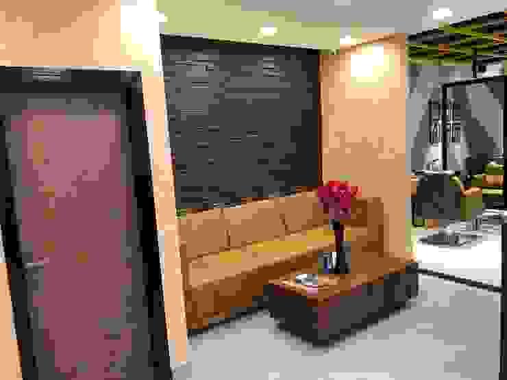 Looks Salon Interior Design Project by Just Interio Pvt. Ltd Modern