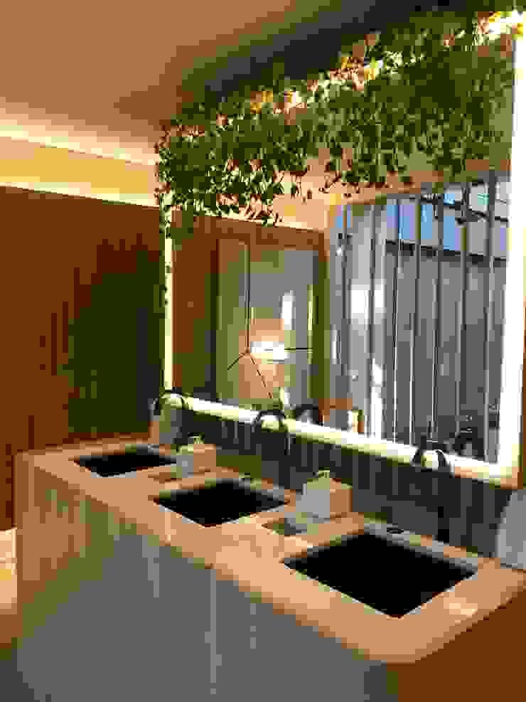 Modern Bathroom by Luísa Nascimento - Homify Modern