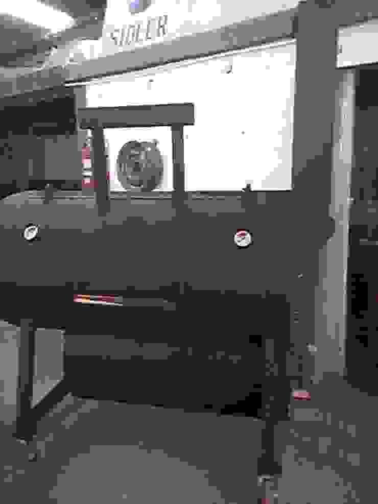Ahumador a leña Austin de Smoke King Ahumadoras Rústico Hierro/Acero