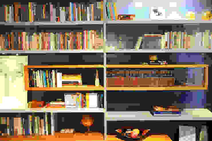 Estudios y despachos de estilo moderno de MARIA FERNANDA PEREIRA Moderno Madera maciza Multicolor