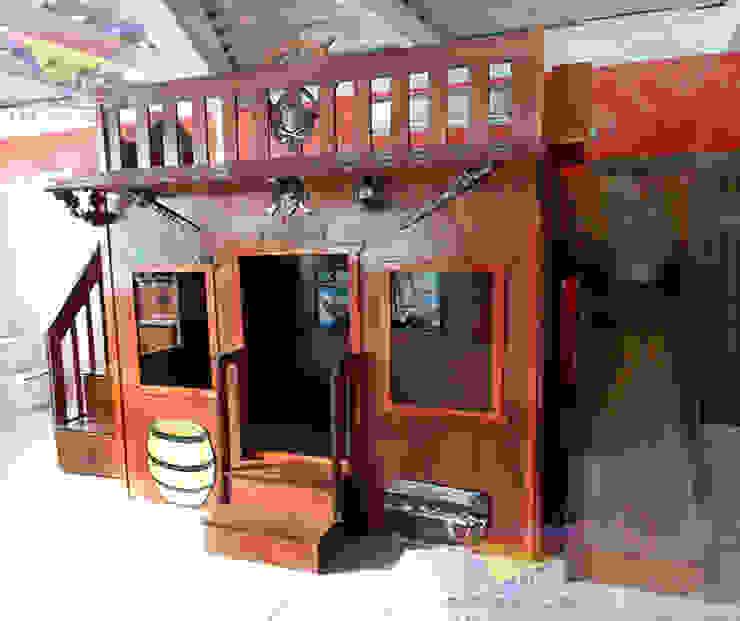Fantástica casita estilo pirata de Kids Wolrd- Recamaras Literas y Muebles para niños Clásico Derivados de madera Transparente