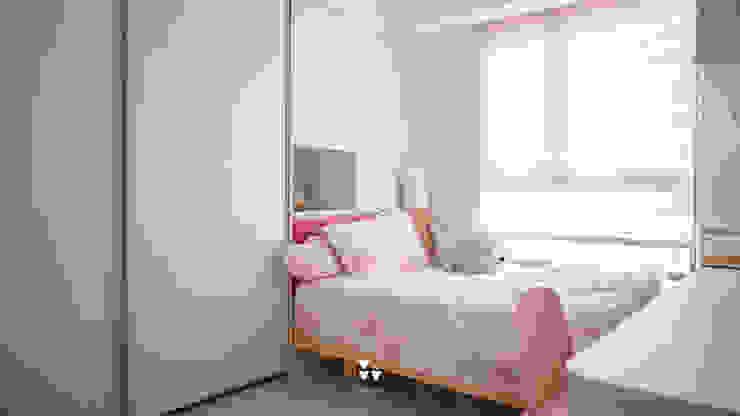 Girls Bedroom by DUOLE 掇樂設計, Modern