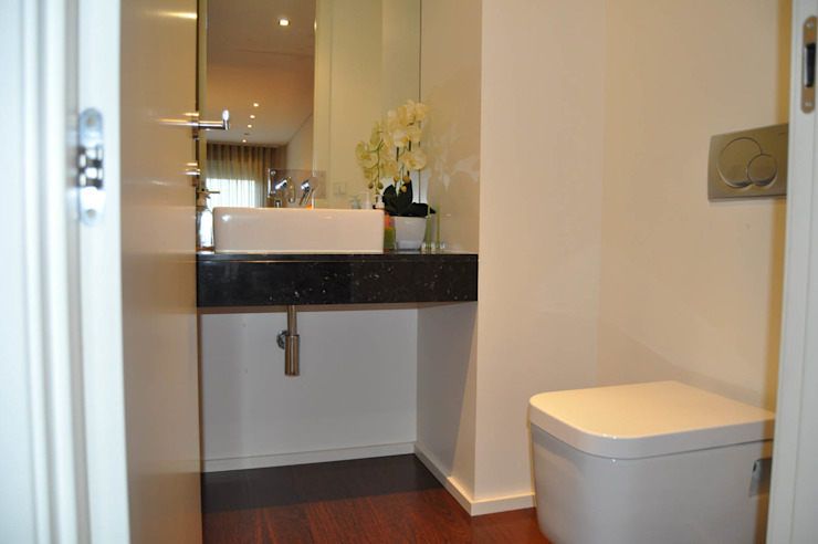 Modern style bathrooms by Clix Mais Modern