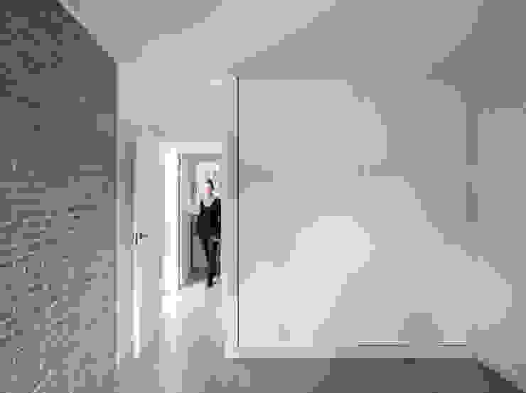 Habitation à Alzira tambori arquitectes Chambre méditerranéenne Blanc