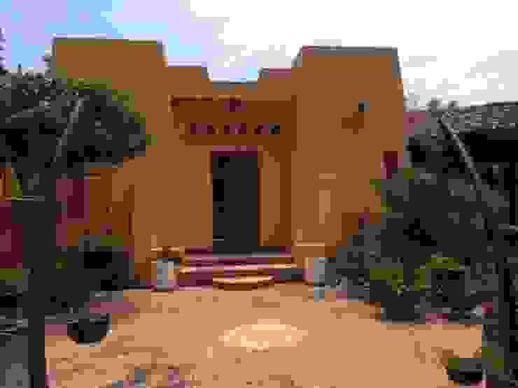 CASA DE CAMPO, H. ZITACUARO, MICHOACAN Puertas estilo rústico de ECLIPSE ARQUITECTOS SA de cv Rústico