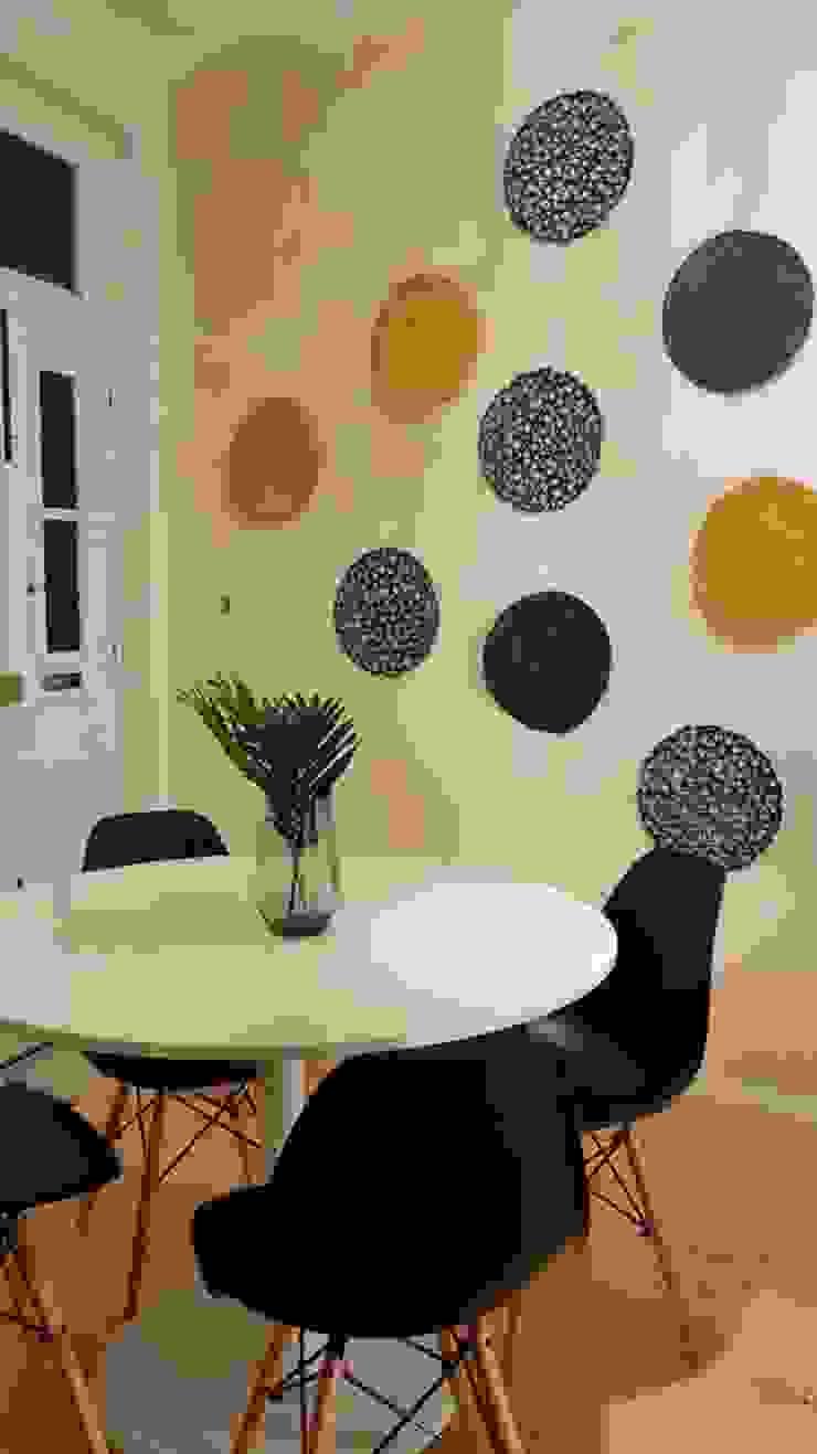 Comedores de estilo escandinavo de IAM Interiores Escandinavo
