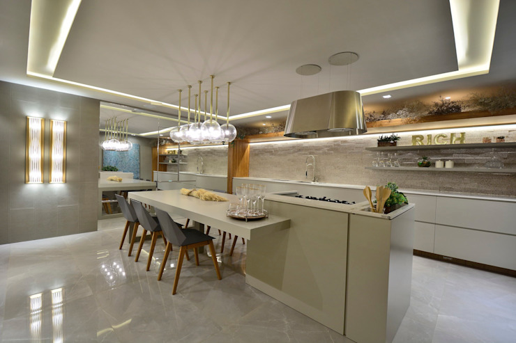 Built-in kitchens by Motta Viegas arquitetura + design