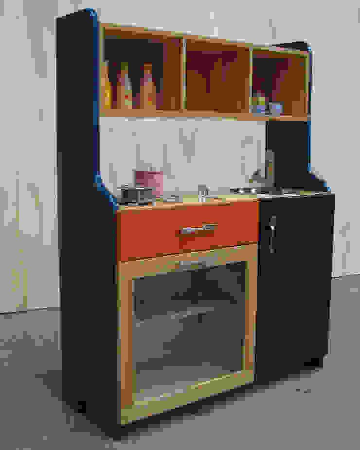 modern  by TIRIKI, Modern Solid Wood Multicolored