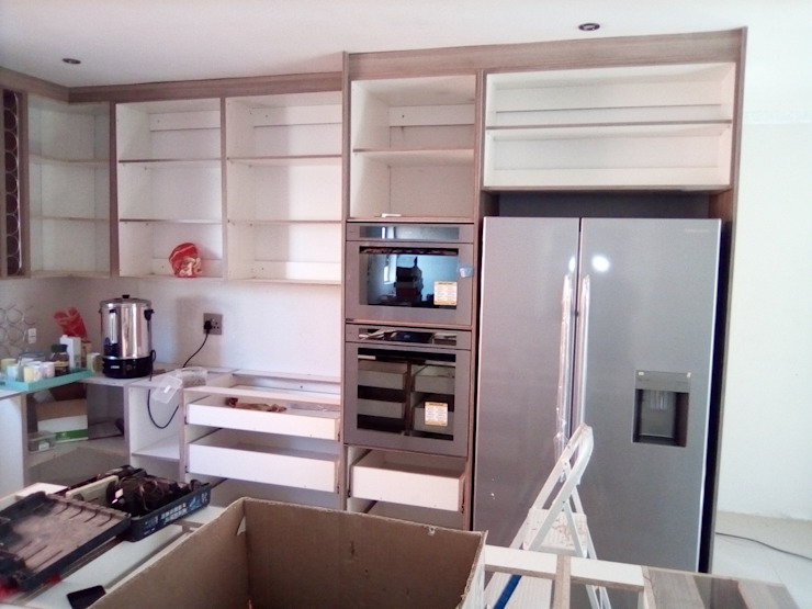 Fitting wall units by Pulse Square Constructions