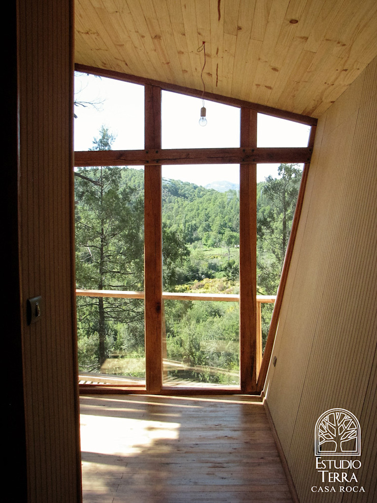 Casa Roca Dormitorios de estilo moderno de Estudio Terra Arquitectura & Patrimonio Moderno