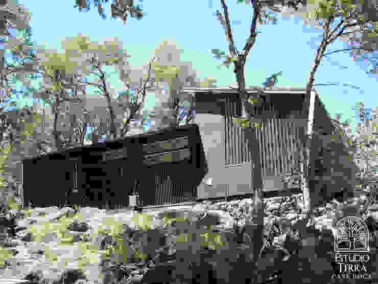 Casa Roca Casas estilo moderno: ideas, arquitectura e imágenes de Estudio Terra Arquitectura & Patrimonio Moderno