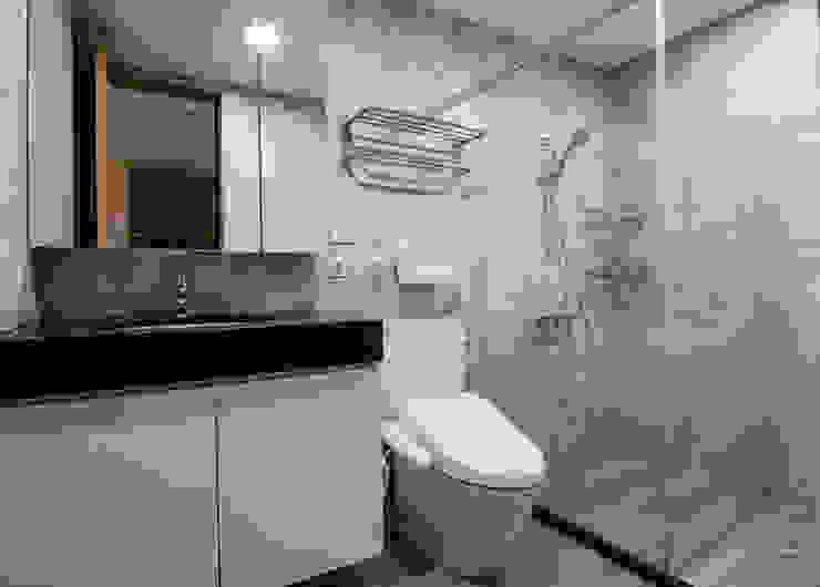 簡潔清雅 現代浴室設計點子、靈感&圖片 根據 拓雅室內裝修有限公司 現代風