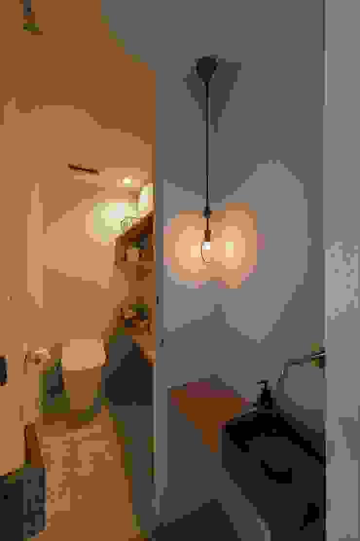 Phòng tắm phong cách Địa Trung Hải bởi ALTS DESIGN OFFICE Địa Trung Hải