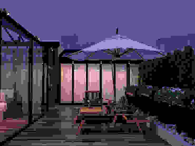 Студия дизайна Татьяны Лазурной Minimalist balcony, veranda & terrace