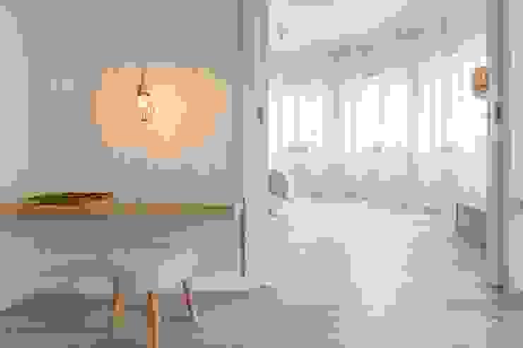 Apartamentos Azul - Luz e Espaço Hotéis modernos por IN PACTO Moderno