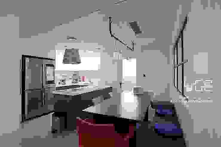 남다른디자인 Modern dining room