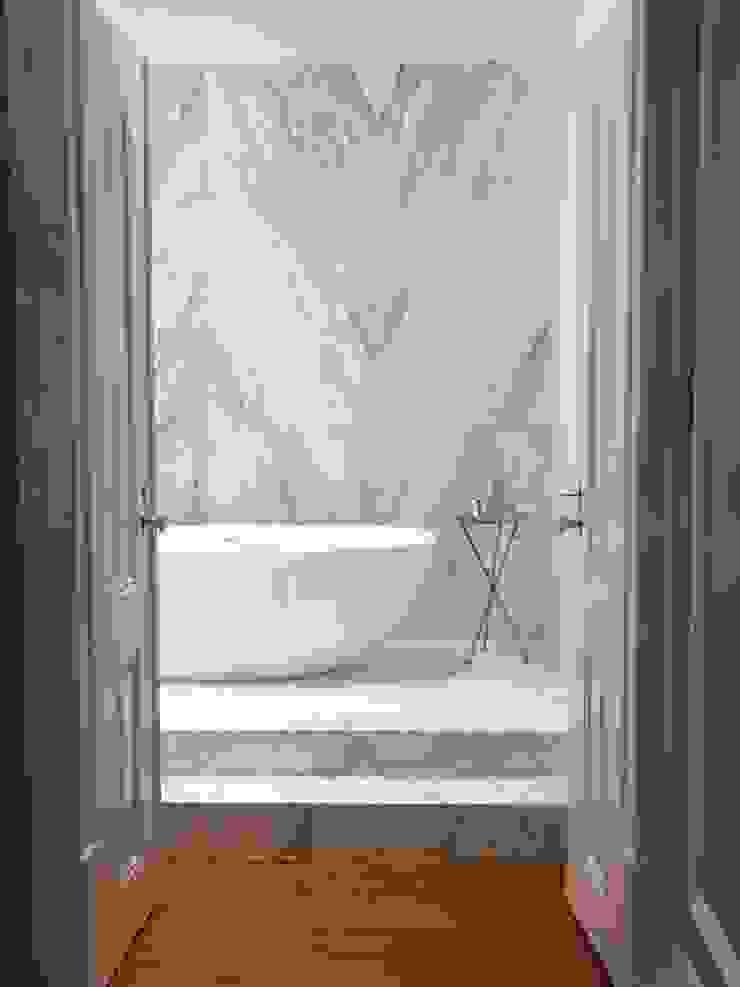 Chiado Apartment - Funcionalidade e Elegância Casas de banho modernas por IN PACTO Moderno