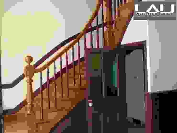 Loft Cerro Alegre: Escaleras de estilo  por Lau Arquitectos, Minimalista