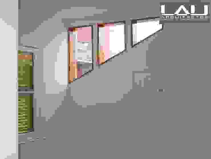 Loft Cerro Alegre Puertas y ventanas minimalistas de Lau Arquitectos Minimalista