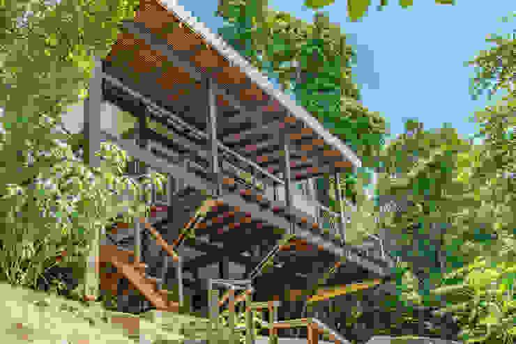NOMA ESTUDIO Wooden houses