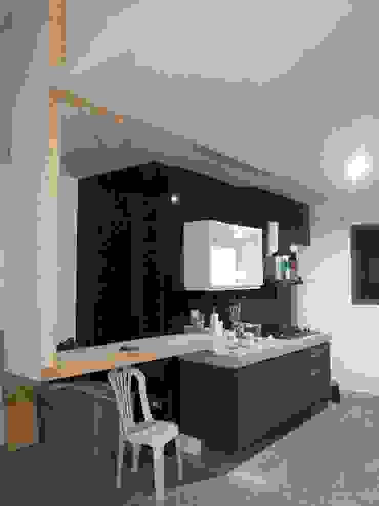 COCINA ALBORNÓZ. EN CONSTRUCCIÓN de HZ ARQUITECTOS SANTIAGO DISEÑO COCINAS JARDINES PAISAJISMO REMODELACIONES OBRA