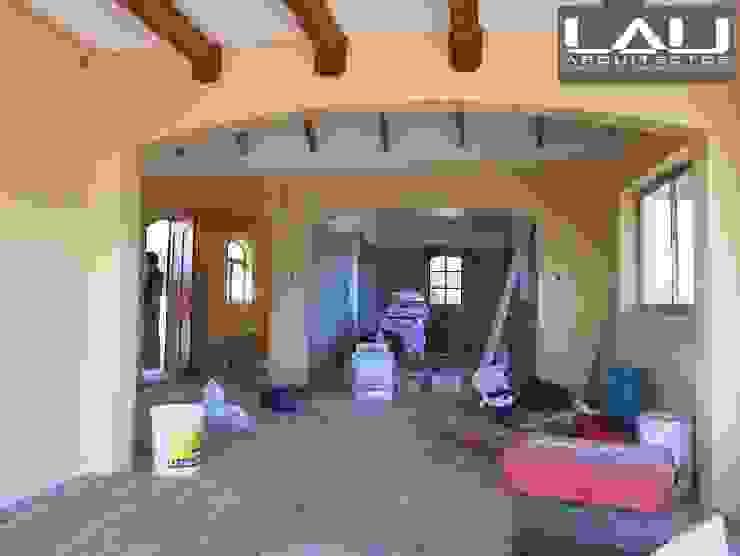 Casa Tabolango Livings de estilo colonial de Lau Arquitectos Colonial