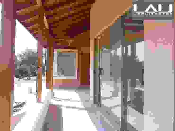 Lau Arquitectos Colonial style windows & doors
