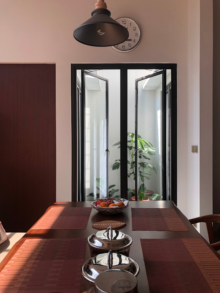 Yasmin House Renovation Balkon, Beranda & Teras Modern Oleh SAE Studio (PT. Shiva Ardhyanesha Estetika) Modern