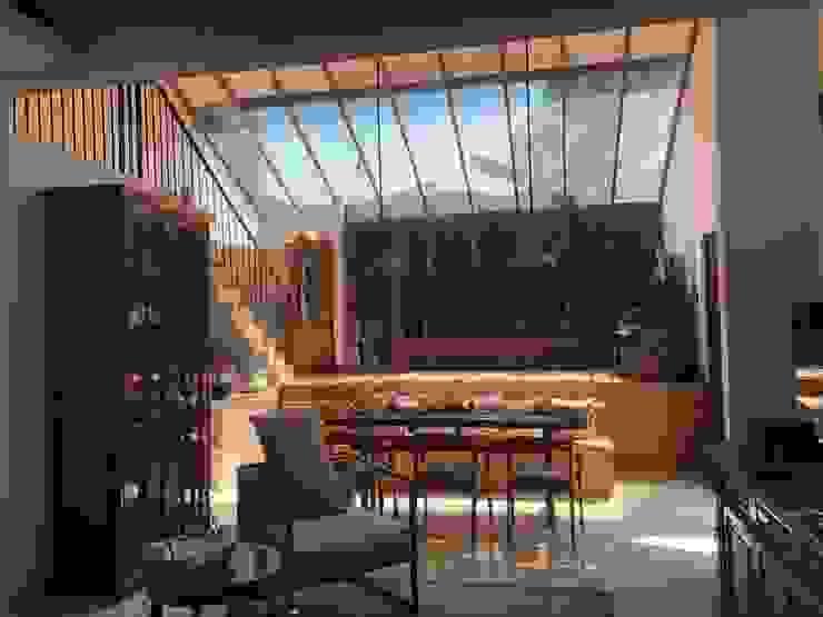 Yasmin House Renovation SAE Studio (PT. Shiva Ardhyanesha Estetika) Ruang Keluarga Modern