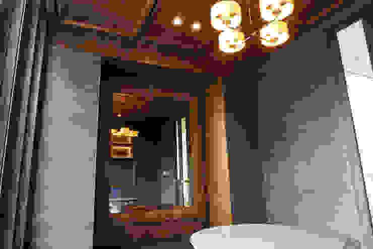 Cermin Bingkai Ruang Keluarga Modern Oleh ARF interior Modern