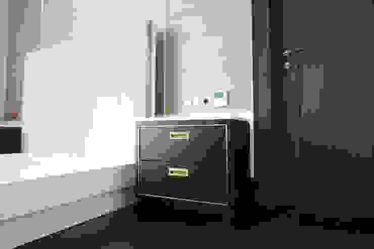 JC House Kamar Tidur Modern Oleh ARF interior Modern