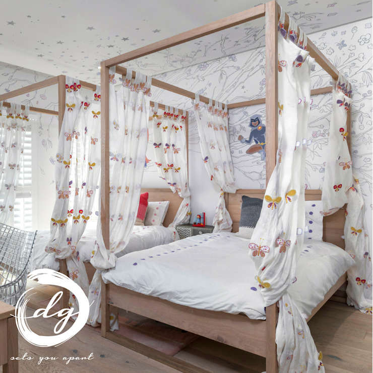 Kamar Bayi/Anak Gaya Kolonial Oleh Deborah Garth Interior Design International (Pty)Ltd Kolonial Kayu Wood effect