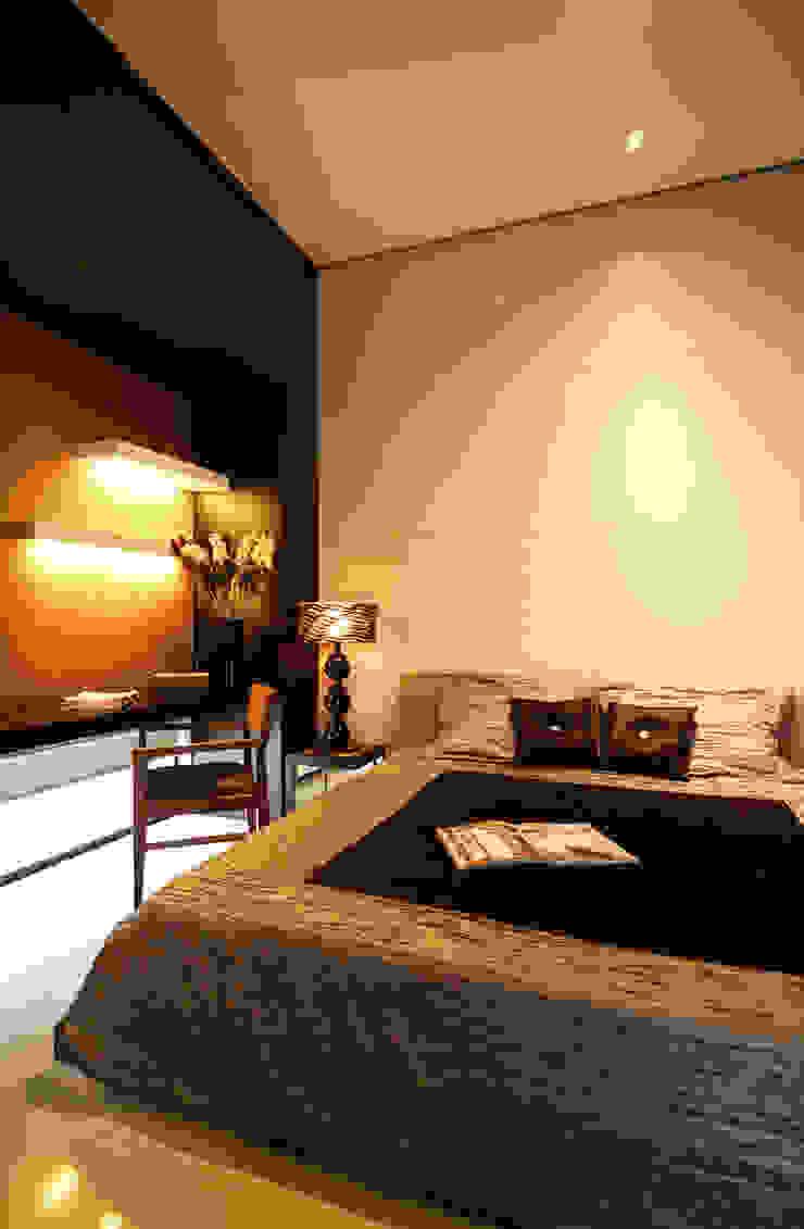 Preferences House Kamar Tidur Tropis Oleh AIGI Architect + Associates Tropis Kayu Wood effect