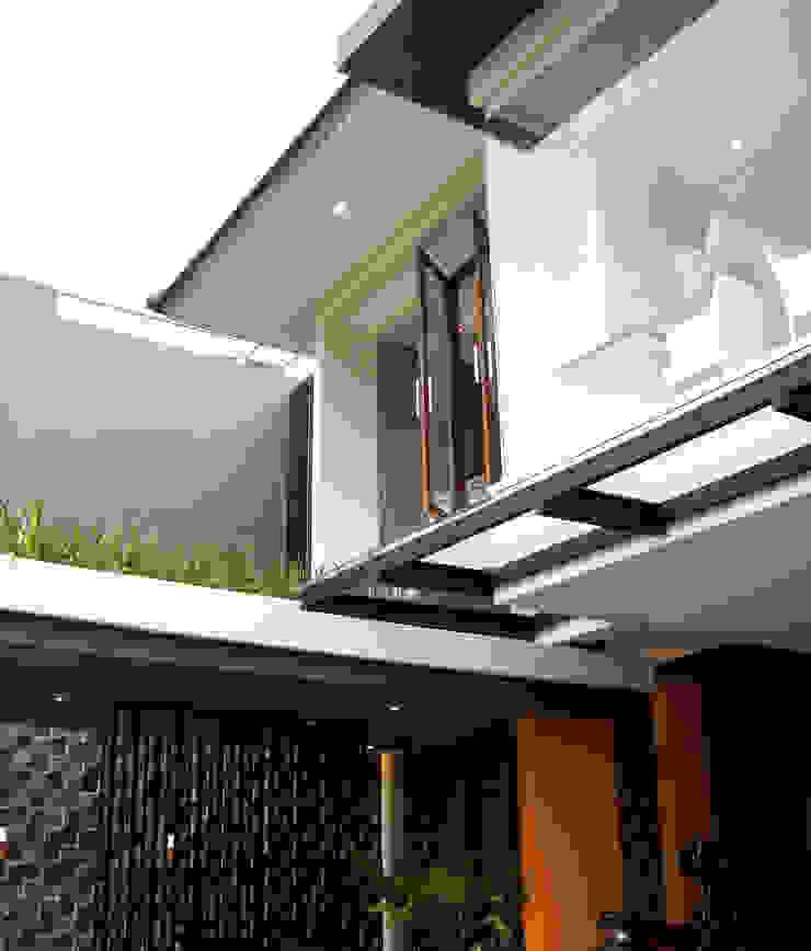 Feel At Home Hotel Modern Oleh AIGI Architect + Associates Modern Beton