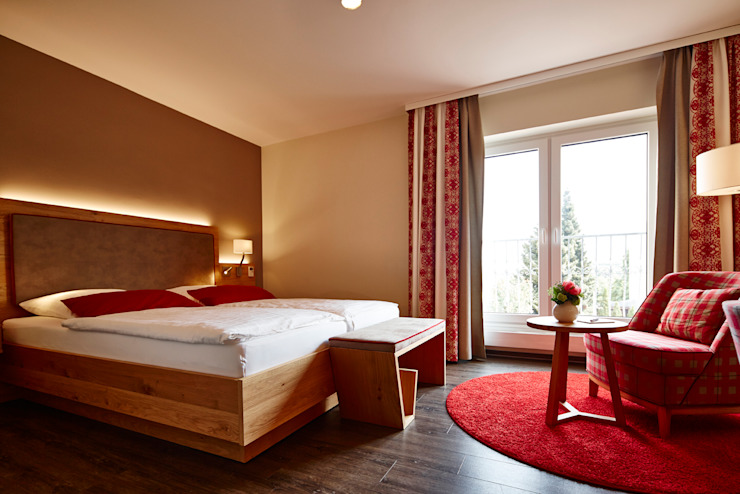 BAUR WohnFaszination GmbH Hotels Wood Brown